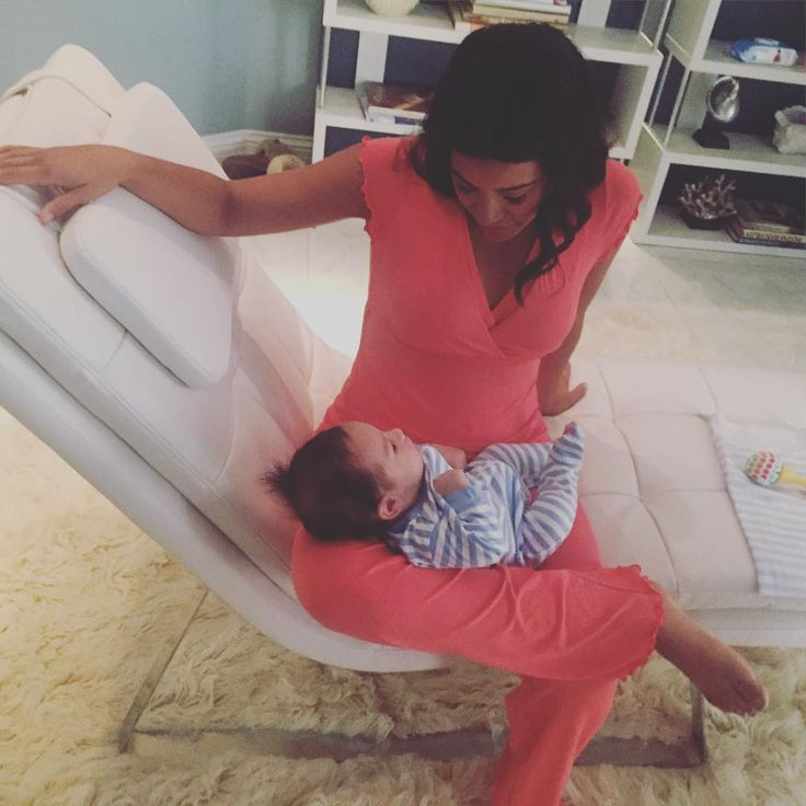 """""""On set with baby Mateo like...just hang here in between takes baby. #janethevirgin"""""""