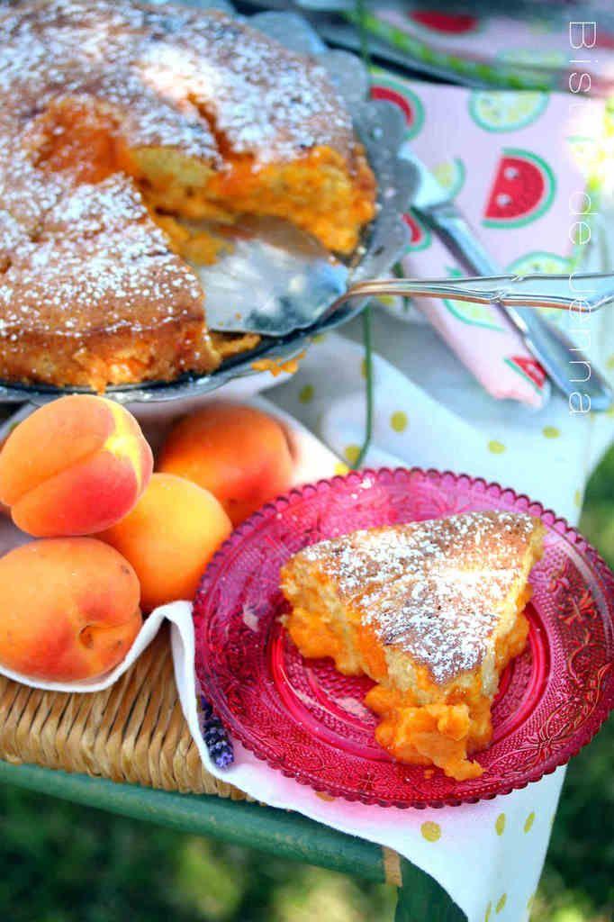 Biscuit à la vanille aux coulis d'abricot à la lavande moyen