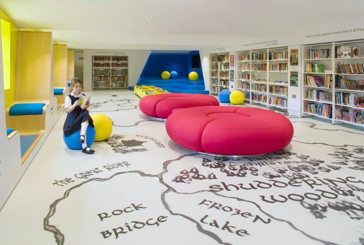 El estudio de arquitectura londinense, Hugh Broughton Architects, fue el encargado de combinar diversión con funcionalidad al remodelar la bibliot...