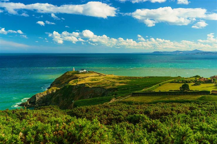 Howth, just outside Dublin, offers wonderful views of Dublin Bay © Xin Tan / 500px