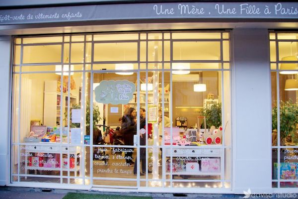 12 baby and toddler friendly cafes in #Paris (click image to read post) #familytravel