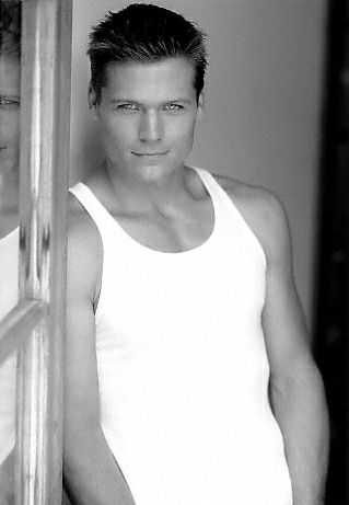 Bailey Chase was Graham on Buffy haha. He didn't have many lines, but he was nice to look at.