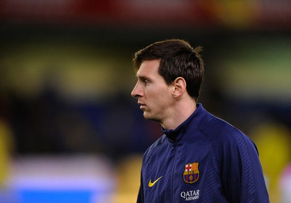 Lionel Messi of FC Barcelona looks on during war-up prior the Copa del Rey Semi-Final, Second Leg match between Villarreal CF and Barcelona at El Madrigal stadium on March 4, 2015 in Villarreal, Spain. Lionel Messi Photos: Villarreal CF v Barcelona