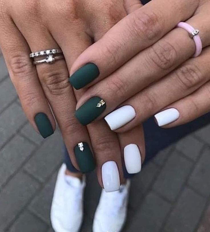 Cool 30 Chic Matte Nails Design For Short Nail Chic Design Matte Nail Nails Short Matte Nails Design Red Matte Nails Sunflower Nails