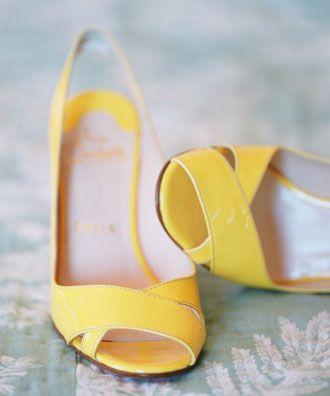 Zapatos Amarillos -- Fotografía: Lisa Lefkowitz