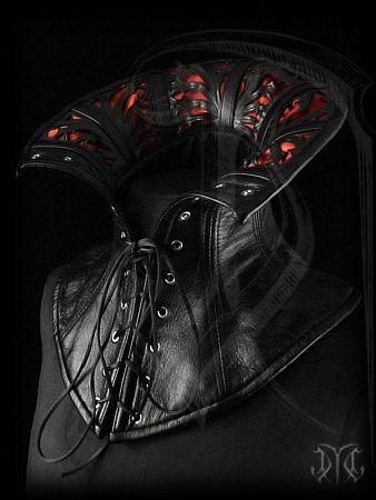 Evil Queen collar