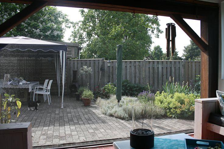 25 beste idee n over buiten zitten op pinterest buiten zitbankje zitplaatsen inde tuin en - Terras beschut ...