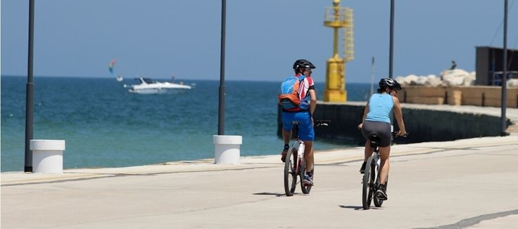 In spiaggia in bicicletta