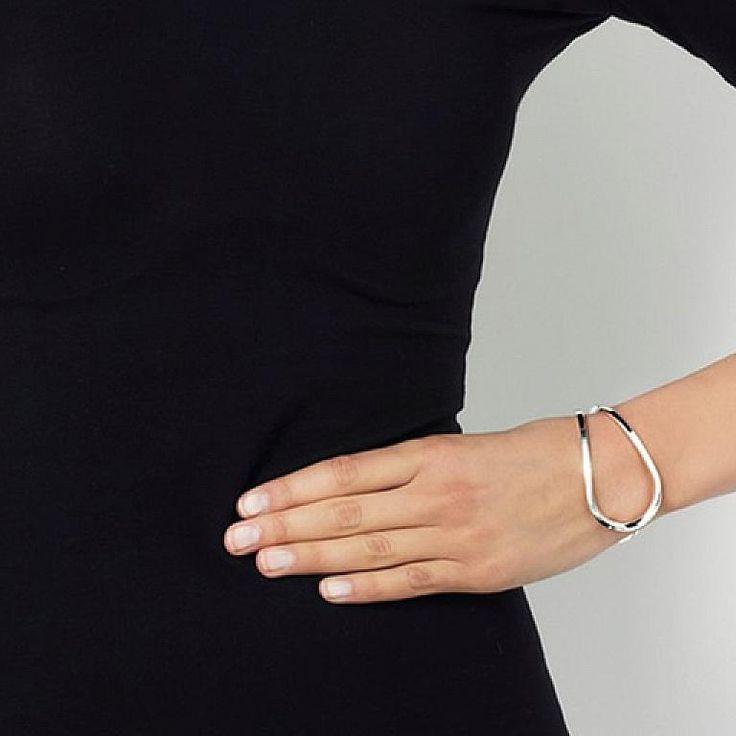 Efva Attling Loop Bracelet : Huset Shop