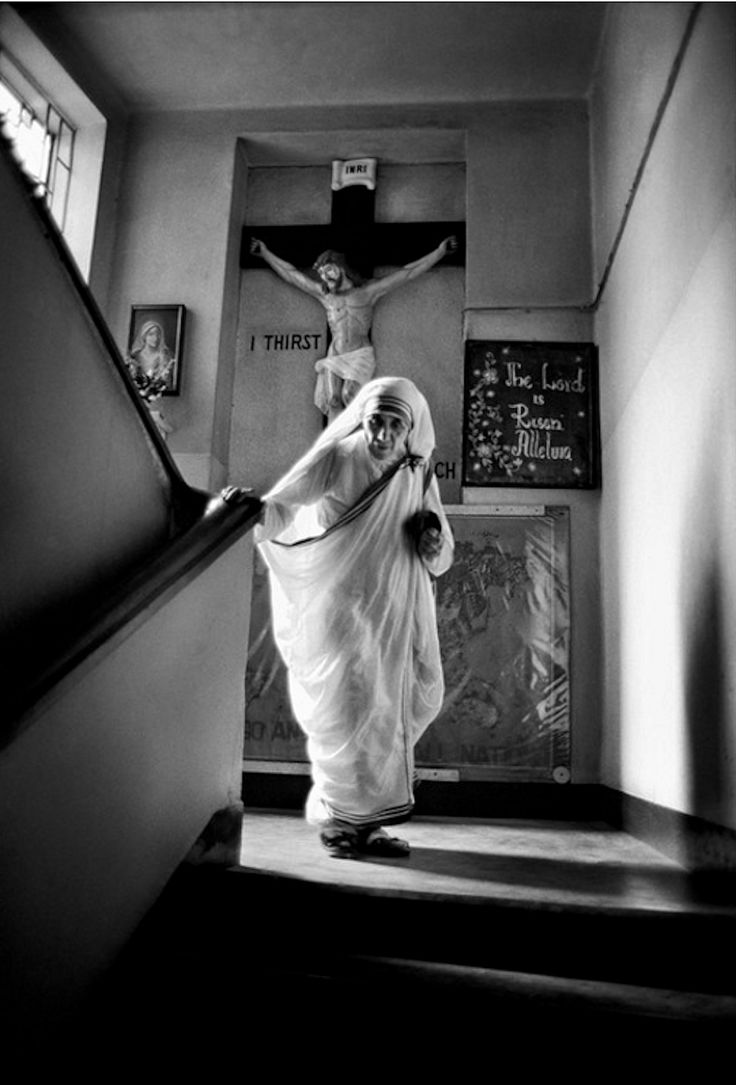 Raghu Rai.  Mother Teresa (Мать Тереза).  Мать Тереза беатифицирована...  http://udavich.blogspot.com/2017/03/raghu-rai.html