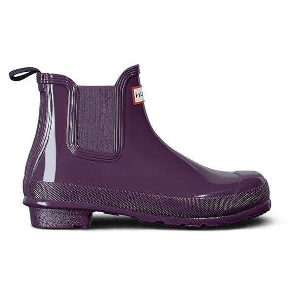 Hunter Women's Original Gloss Chelsea Boots (530 CNY) ❤ liked on Polyvore featuring shoes, boots, ankle booties, purple, waterproof rain boots, purple boots, wellington boots, purple booties and beatle boots