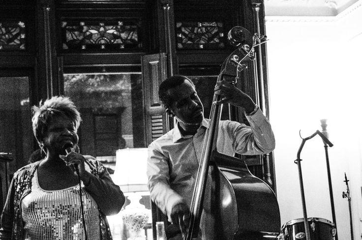 Bonzella au chant et Eric à la contrebasse - New York, Etats Unis