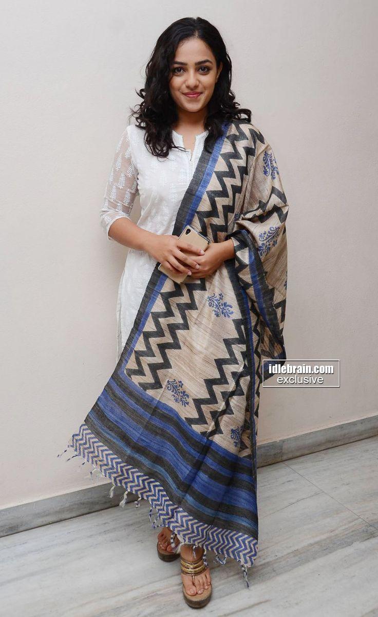 Tussar silk dupatta with a Lucknowi kurta..Wowww
