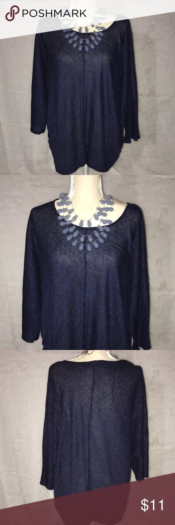 Women's Size 1X Navy Blue Top Beautiful Women's Light sweater top Perfect for Casual Day Wear and even dress it up for evening wear!  Apt. 9 Size 1X Apt. 9 Tops
