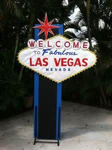 25+ best ideas about Vegas Decorations on Pinterest ...
