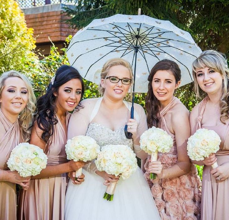 HOW TO CHOOSE THE PERFECT BRIDESMAID