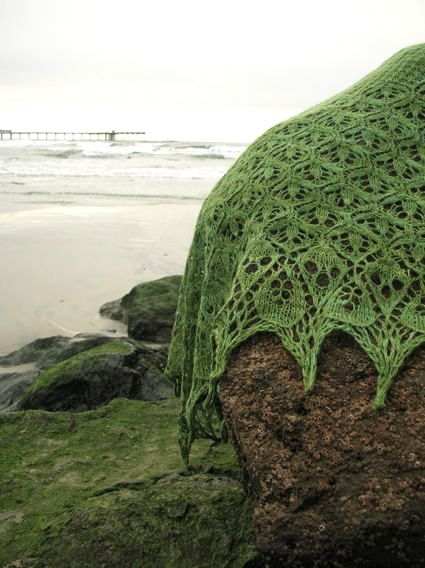 The most beautiful shawl in earth!  lacy knitty moss