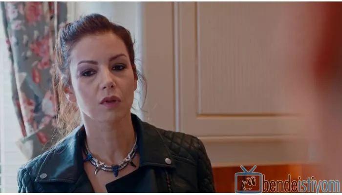 Star TV yayınlanan Medcezir dizisinde  Sedef Kaya karakterini canlandıran Defne Kayalar'ın, 66.  bölümünde taktığı okyanus kolye