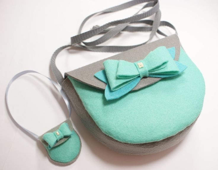 Handmade. Grey-mint felt bag with a bow. Girls and dolls accessories