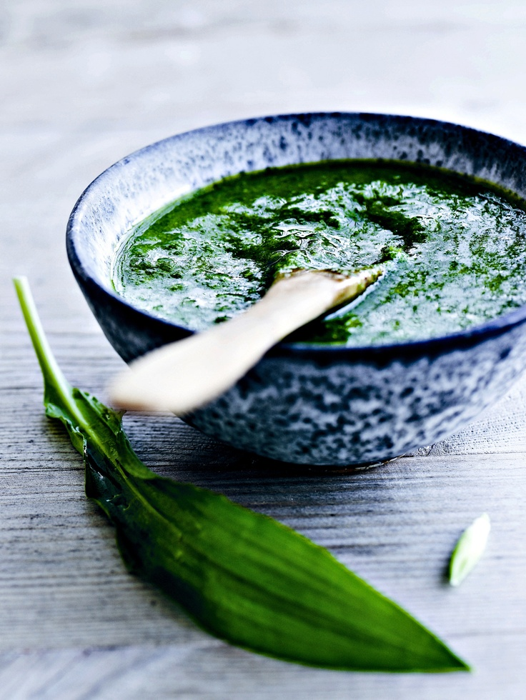 Time for making Wild food - Love this recipe for wild garlic/ramson pesto. Can be served with ovenbaked potatoes, salmon or cooked fresh pasta