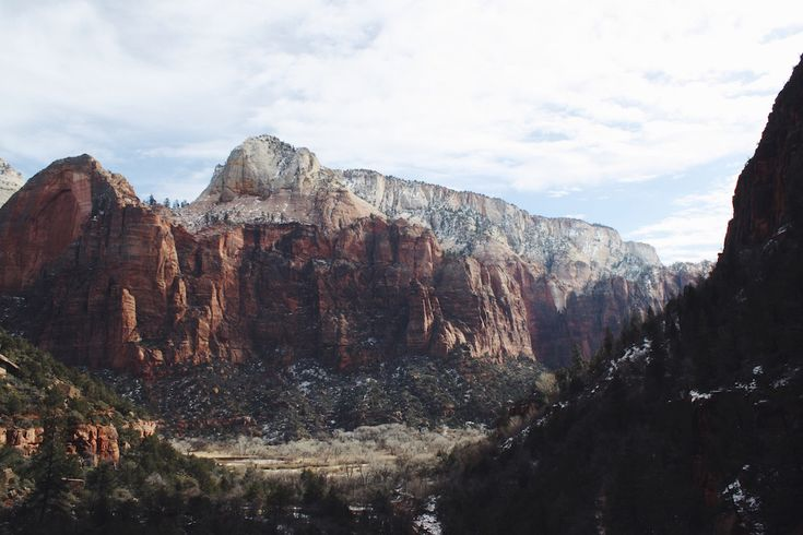 Heading to Southern Utah during the cold-weather months? Check out the best winter hikes in Zion National Park!