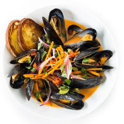 Steamed Mussels with Broth Recipe - Bon Appétit