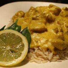 Kip Tandoori, een heerlijk kruidig gerecht met een frisse ondertoon van yoghurt en citroen. Deze variant maakte ik met het oog op makkelijk én verslavend lekker. En dat is absoluut mogelijk! Wat heb je nodig voor 4 personen? 400 gram rijst 400 gram kippendijen (of eventueel... #food #health #recept