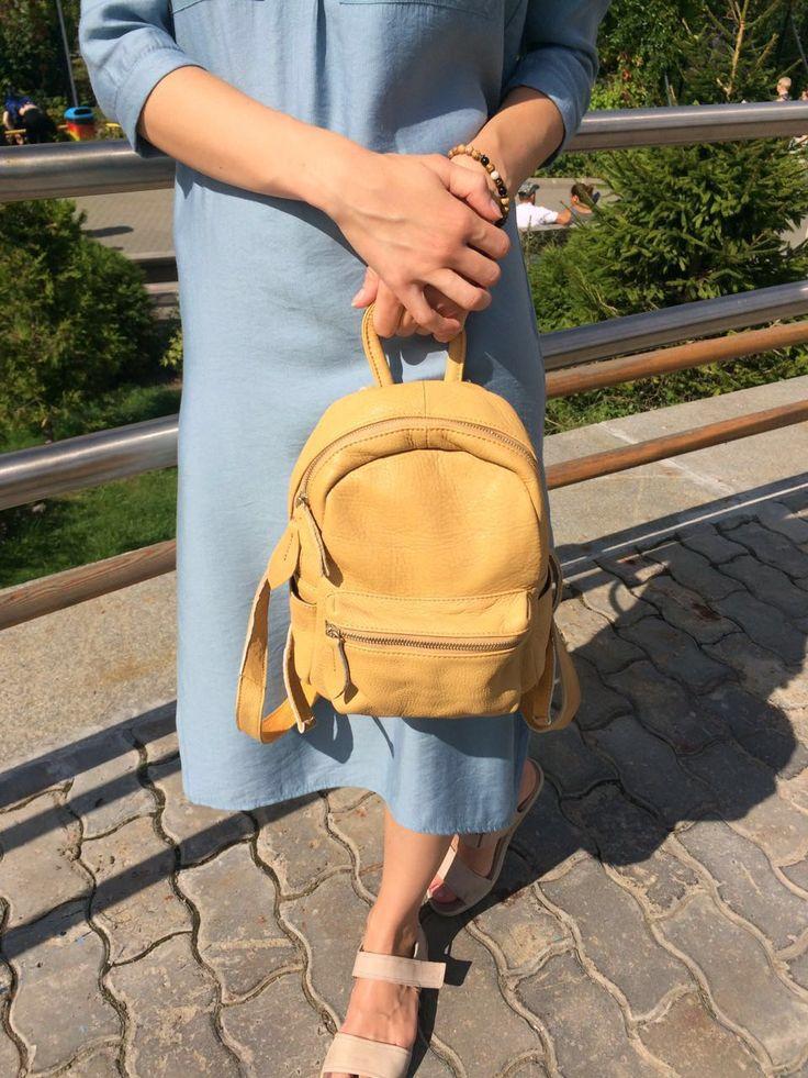 Стоимость  5 3 0 0 ₽ Размер 25*27*11см • компактный размер • мягкая натуральная кожа • женственная модель  Возможные расцветки: • черный • абрикосовый • серо-синий  Для связи используйте контакт (активная ссылка в профиле) или what's app/viber/смс 89654454623🙋 #рюкзаки🎒 #рюкзачок #рюкзак #рюкзаки #рюкзакизкожи  #рюкзаккожа #рюкзаккожаный #рюкзаккупить #купитьрюкзак #кожаныйрюкзак #рюкзакивналичии  #женскийрюкзак #My_Lovely_Bags #MyLovelyBags #Питер #городскойрюкзак