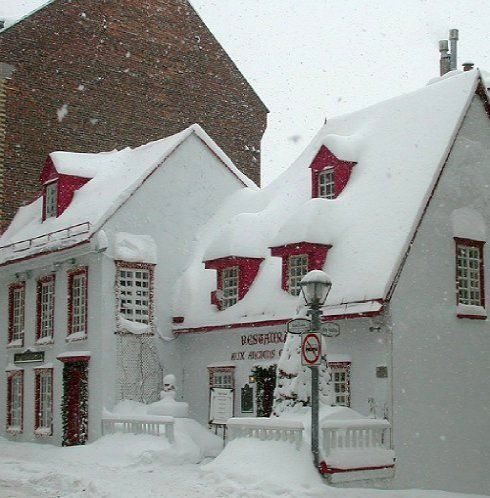 Winter scene in old part of Quebec city, Canada | By: Gaetan Chevalier