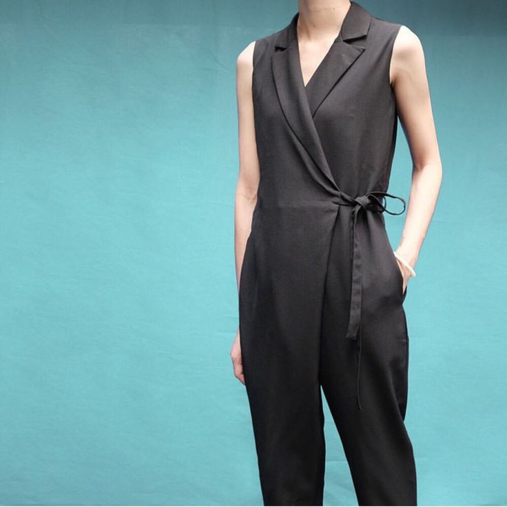Tailored Collar jumpsuits II via Le sisters. Click on the image to see more!