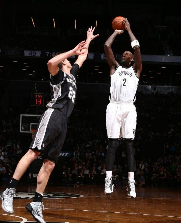 ... kevin garnett wearing anta kg 4 and tiago splitter wearing nike  hyperdunk 2013 ...
