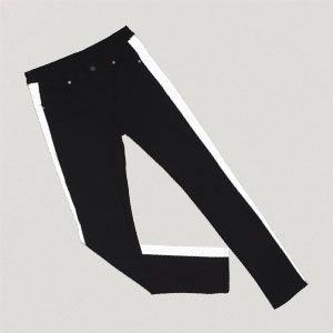 Svarta jeans med reflex-rivärer designade av Örjan Andersson för If