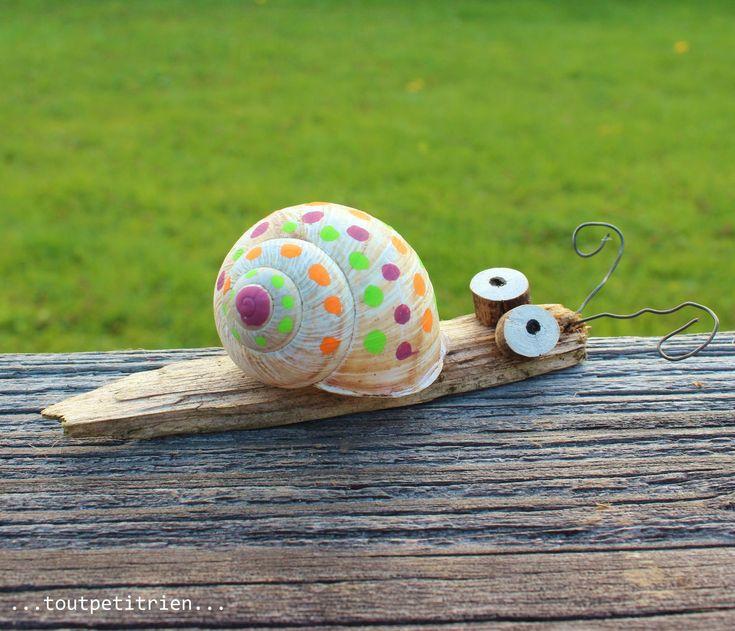 Petit escargot nature décoré avec des feutres Posca. fleurysylvie / www.toutpetitrien.ch #bricolage #enfant