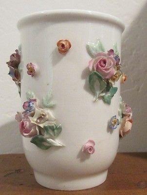 """Небольшой МЕЙСЕНСКИЙ фарфор цветочные вазы 3 1/4"""" высокий прикладной цветов • £242.31"""