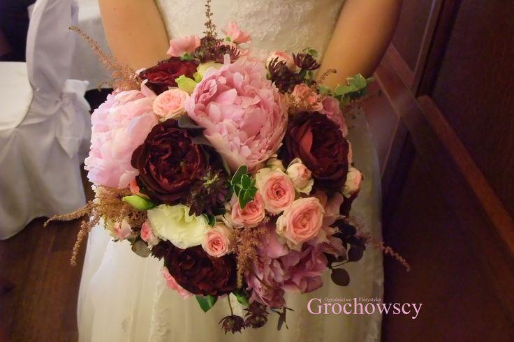 boho bukiet ślubny piwonia róża angielska bukiet ślubny Człuchów #weddingbouquet #bohowedding #bohobouquet #boho #peony #peonies #weddingbouquet #burgundy #berry