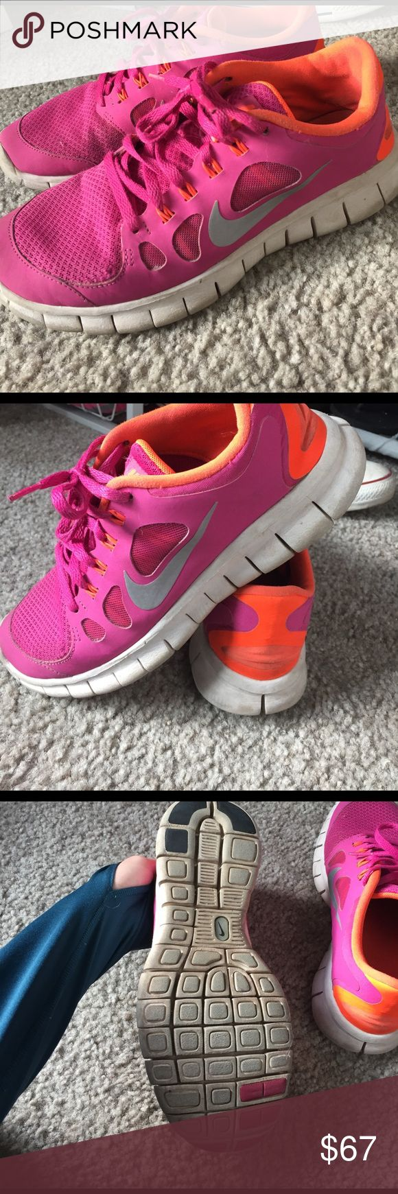 Nike shoes size 7 Good condition shoes. Worn a few times but they look good ! I can clean them up a little bit too to make them look brand new! Nike Shoes Athletic Shoes