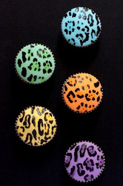 leopard print cupcakes #animalprintcupcakes #colorfulanimalcupcakes #animalprintparty