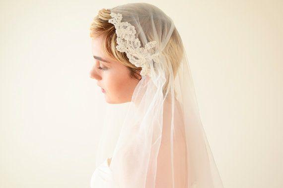 Lace veil Juliet Cap Veil wedding veil Juliet veil by MadameTulle