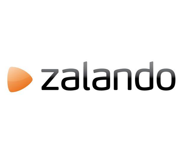 Zalando har stor REA på stickade plagg för kyliga vårkvällar. Skynda för att fynda!