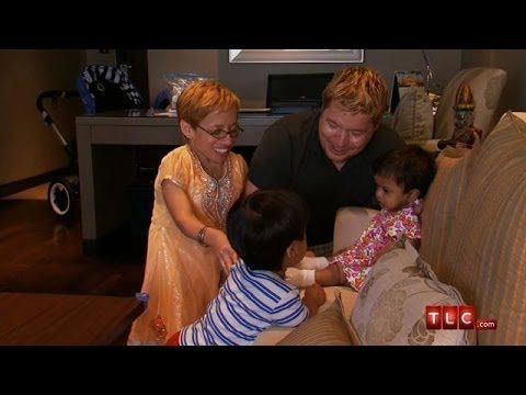 Little Will Meets His Sister Zoey | The Little Couple - YouTube (I love them)