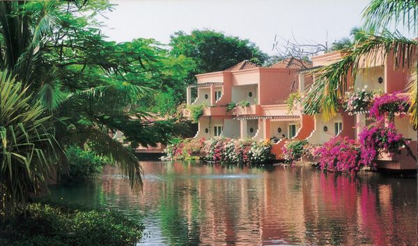 the leela kempinski resort/hotel. it is my favorite hotel in południowe, goa. it is private and beautiful!