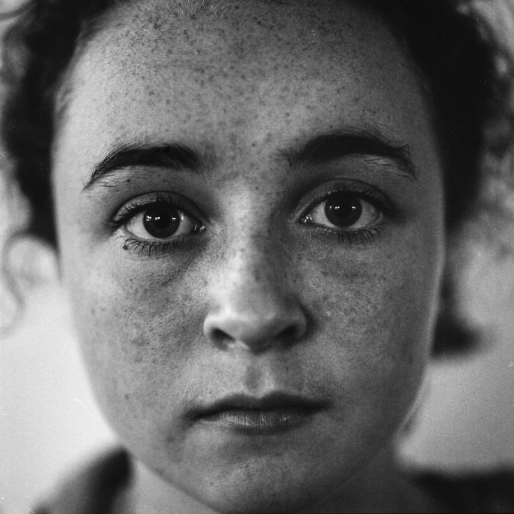 https://flic.kr/p/MPgti7 | A good human | Bronica SQ-A Zenzanon 150mm F3.5 Cheap close up filter Arista EDU Ultra 100 hand-processed Ilford LC-29 Scanned Canon 9000fii