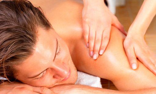 Elimina contracturas y nudos musculares. El masaje incluye aplicación de calor local en la zona contraída. http://www.unplan10.com/barcelona/masaje-descontracturante-hombres-2175