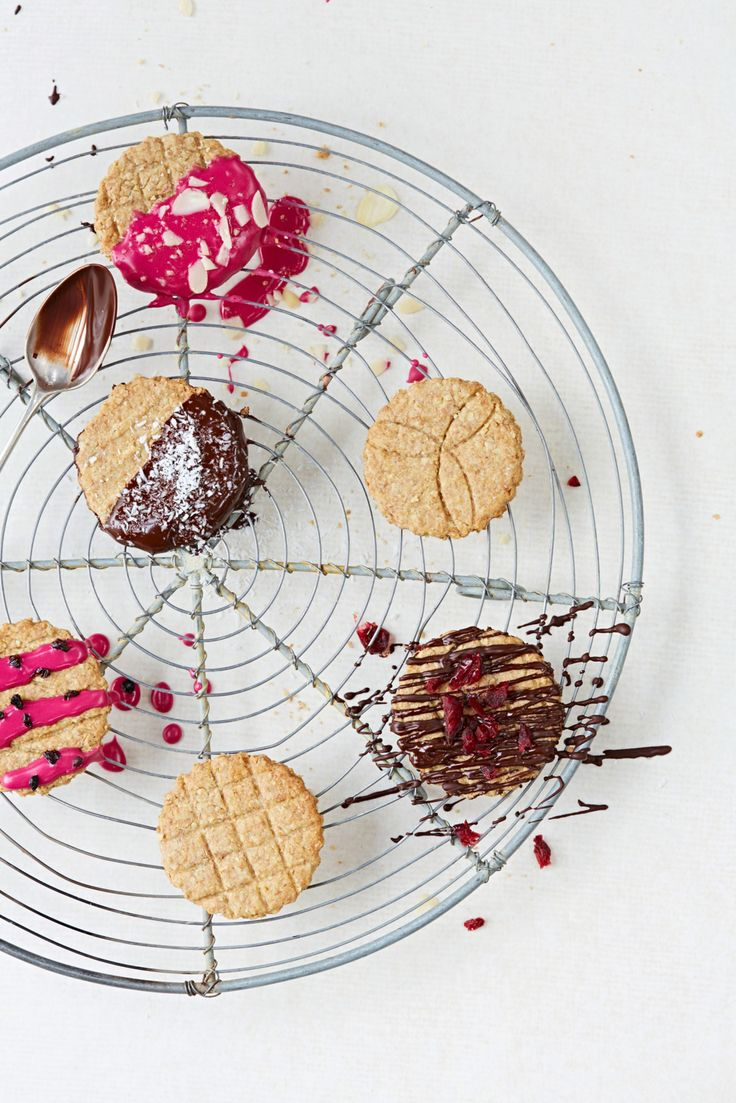 Digestive biscuits are a teatime favourite, so we asked our friend Bee Berry to show us how to make digestive biscuits at home.