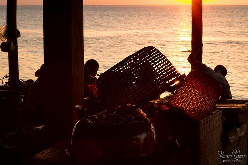 Le marché aux crabes de Kep au soleil couchant - Cambodge