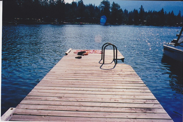 Already missing those summer days? Our fall's been pretty amazing too, it's so nice to sit on the dock at Cultus and breathe in fresh fall air!