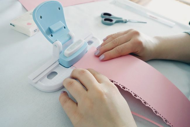 Schritt für Schritt Anleitung für DIY-Freudentränen-Taschentücher Bild 4