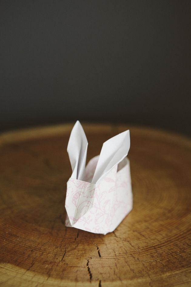 Ultra Cute Origami Easter Bunnies with Cotton Bums - Oh so very pretty | A craft, food, and design blog sharing a few of our favourite little things
