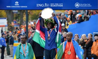 """NUEVA YORK (D., 3 nov 2013)       DEPORTES - MUTAI  DE KENIA (CATEGORIA: HOMBRES) """"El keniano Mutai se lleva la gloria y gana el maratón de Nueva York""""."""