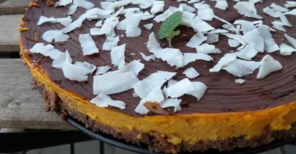 Jáhlový koláč s dýňovým krémem a čokoládovou polevou